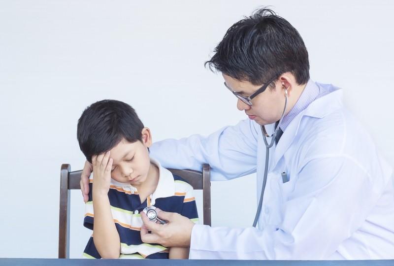 после удара тока покажите ребенка врачу